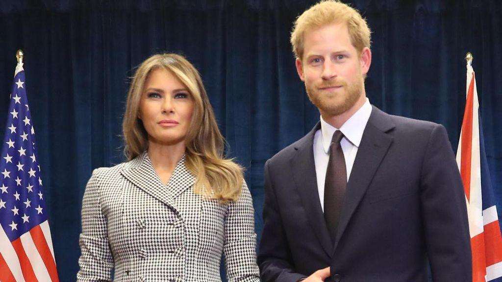 Pangeran Harry Tampilkan Gestur Tangan Aneh Saat Bertemu Melania Trump