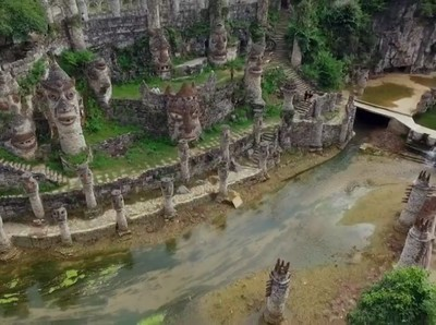 Kisah Orang China yang Bikin Kastil Seluas 50 Hektar