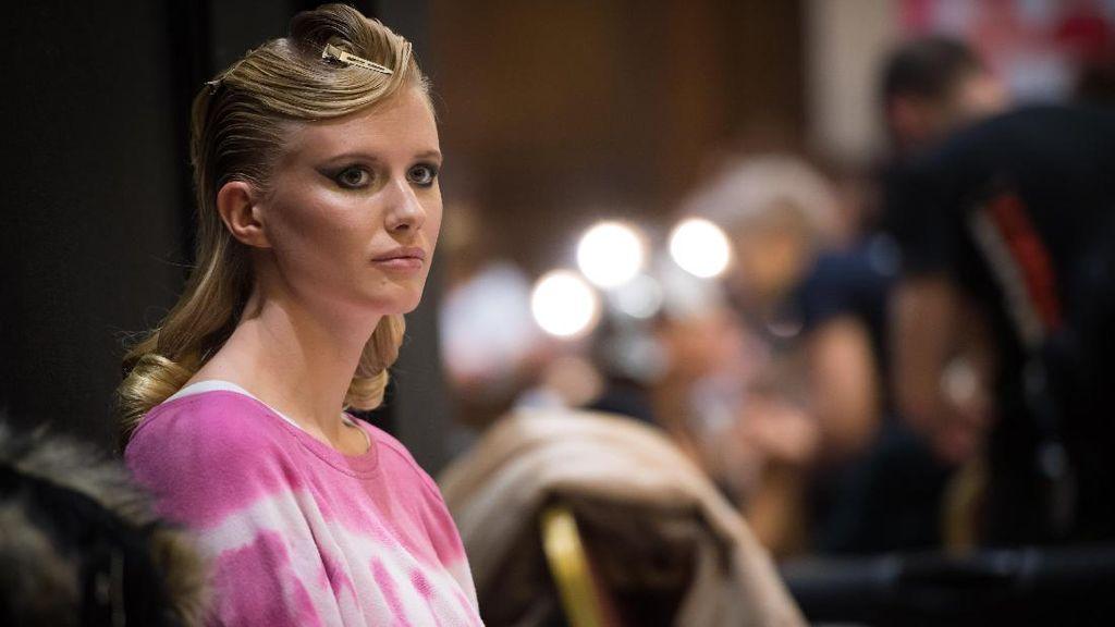 Lihat Inspirasi Tren Kecantikan dari London Fashion Week