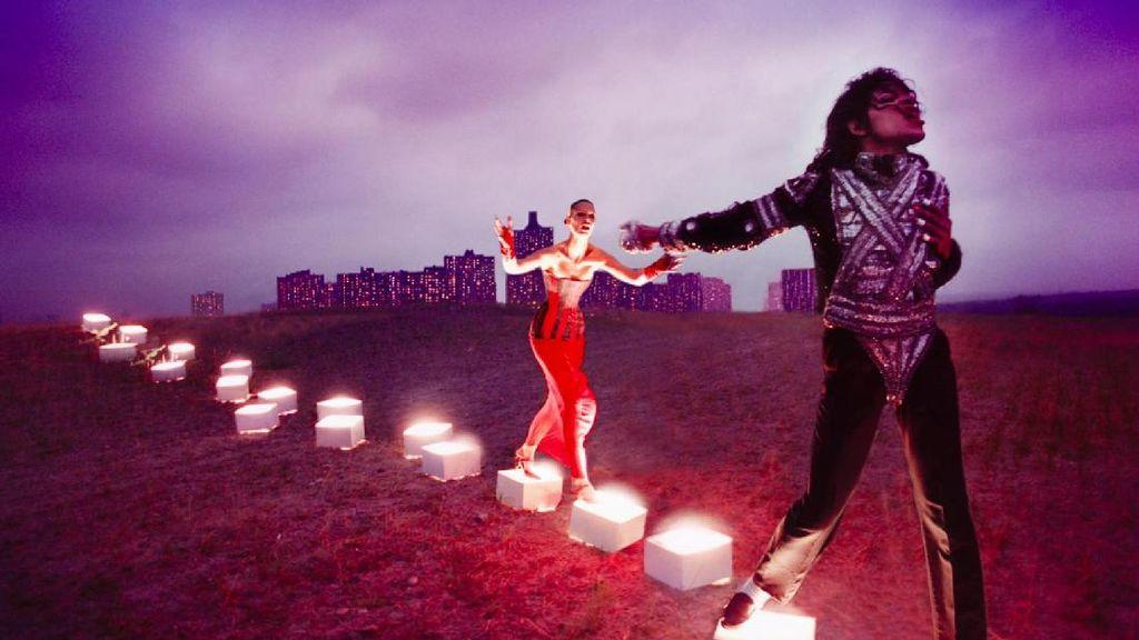 Pameran Seni Spesial Buat Michael Jackson