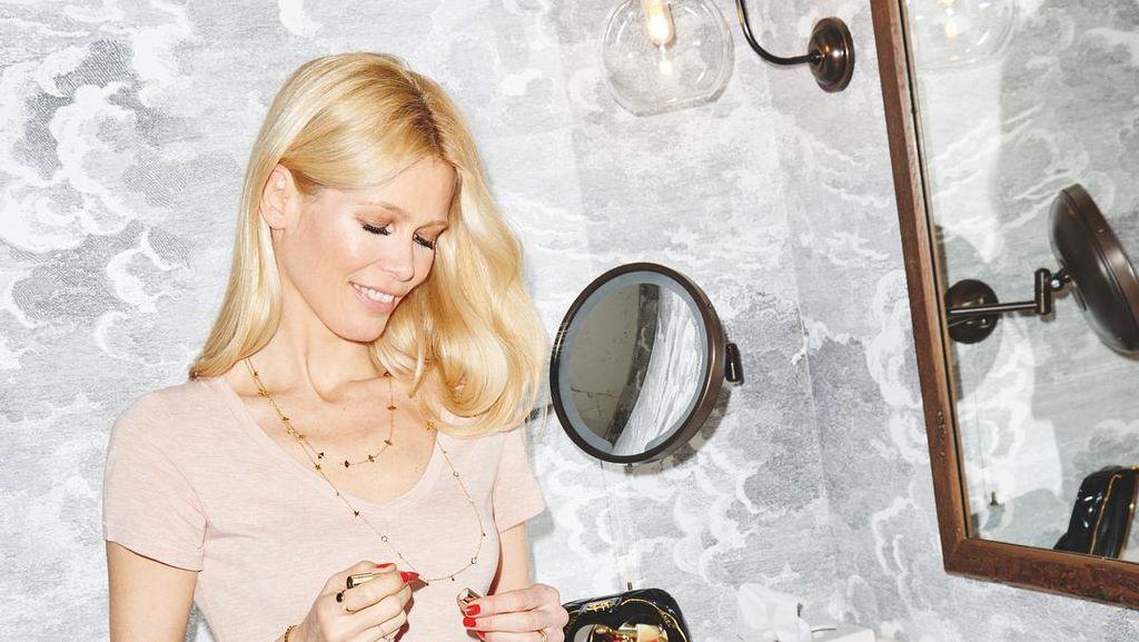 Tips Cantik Model Legendaris Claudia Schiffer: Tidur dengan Smoky Eyes