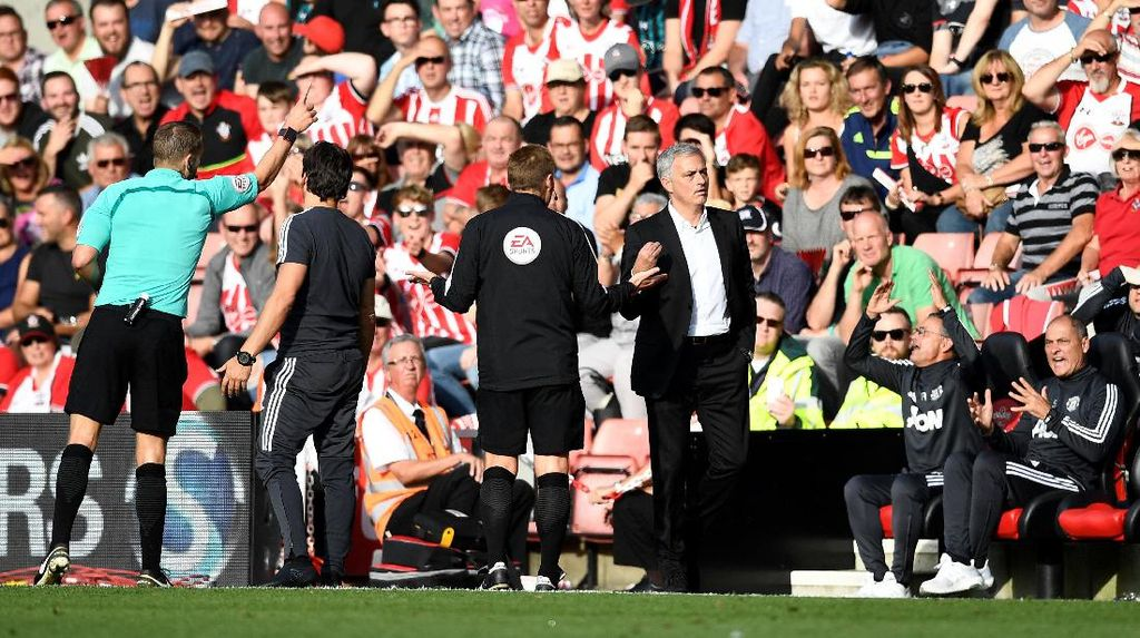 Diusir Wasit Akhir Pekan Lalu, Mourinho Tak Dapat Sanksi Lanjutan