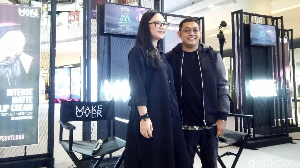 Makeup Artist Philipe Karunia Rilis Buku Makeup yang Mudah Diikuti di Rumah