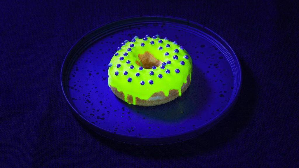 Anak Milennial Antre GlowNuts dan Marshmallow Telur Asin di Rollin Sweet Times