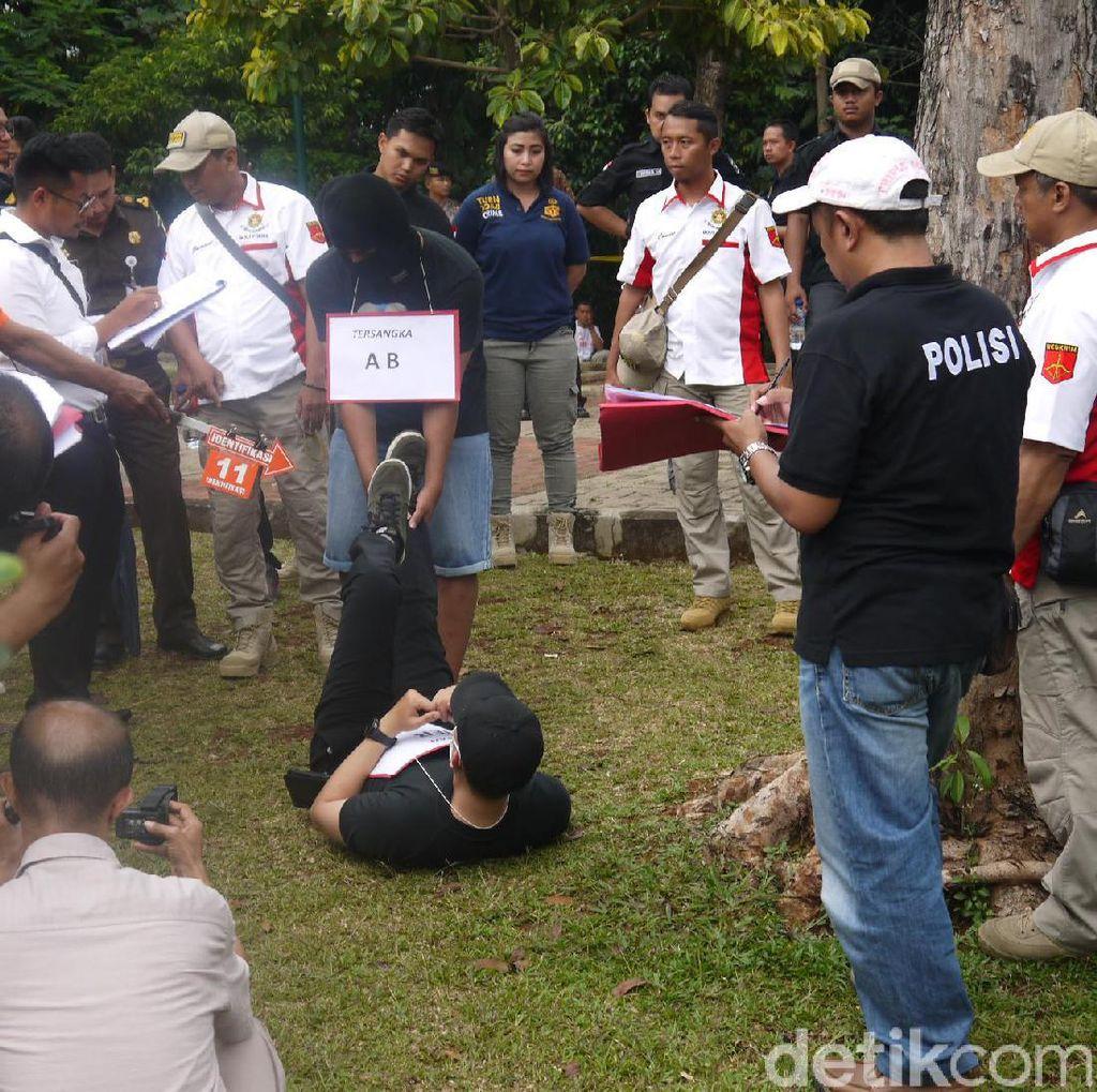 Adegan-adegan Duel Gladiator Maut di Bogor Direka Ulang