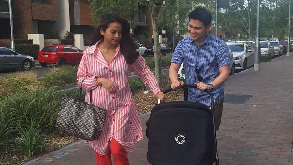 Acha Septriasa Jalan-jalan Usai Melahirkan, Netizen Heboh