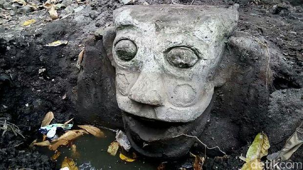 Patung Buto di Umbul Buto, Klaten.