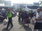 Sopir Angkot di Malang Demo, Penumpang Diangkut Kendaraan Petugas