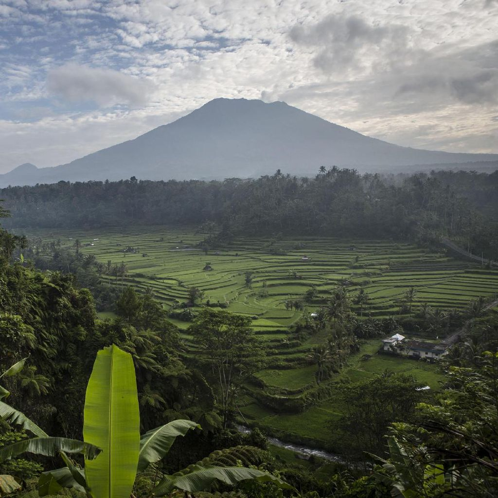 AiNav Siapkan 10 Bandara Pengalihan Jika Gunung Agung Meletus