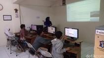 Keseruan Anak-anak Rusunawa Penjaringan Sari Belajar Komputer