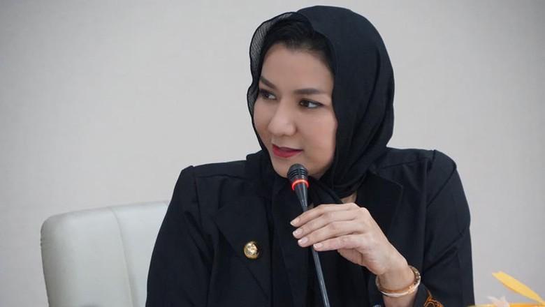 Jadi Tersangka Nominasi Bupati Terbaik - Jakarta Organisasi Massa Badan Penelitian Independen Kekayaan Penyelenggara Negara dan Pengawasan Anggaran Republik Indonesia KPNPA membenarkan jika Bupati