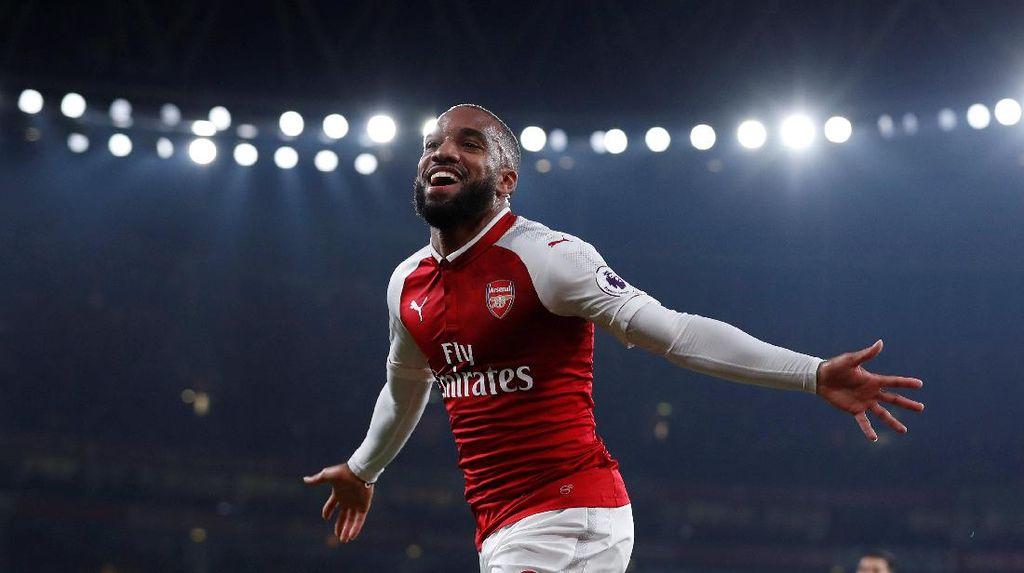 Lacazette Bawa Arsenal Memimpin 1-0