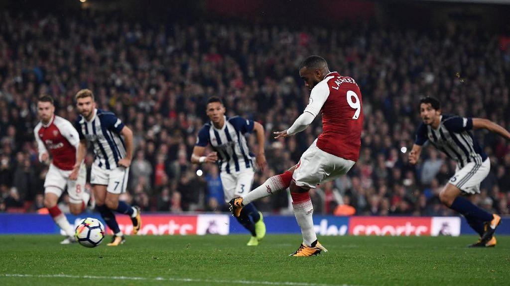 Dua Gol Lacazette Menangkan Arsenal