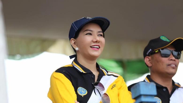 Jadi Tersangka di Rita Widyasari - Jakarta Bupati Kutai Kartanegara Rita Widyasari menjadi tersangka di KPK dan dijerat dengan pasal Rita berjanji akan itu
