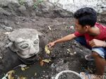 Heboh Penemuan Patung Mirip Badut Film It di Klaten