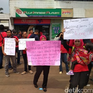 Eks Pegawai 7-Eleven: Pak Jokowi Tolong Bantu Kami Wong Cilik