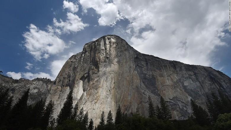 Pria Inggris Tewas Saat Mendaki di Yosemite National Park