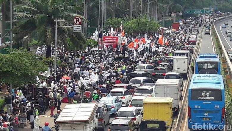 Harap Aksi Anggota Imbau Massa - Jakarta Anggota Fraksi PAN di Saleh Partaonan Daulay berharap aksi berjalan dengan Saleh mengimbau peserta aksi untuk selalu