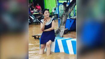 Kenalan dengan Wulan, Bidadari Banjir yang Viral