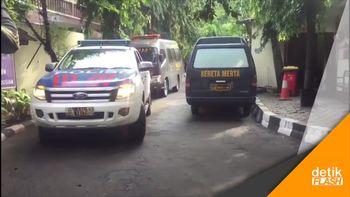 1 Jenazah Terduga Teroris Cilegon Tiba di RS Polri