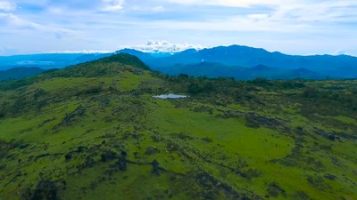 Vlog Tapal Batas - Amazing View di Hamparan Sabana Fulan Fehan