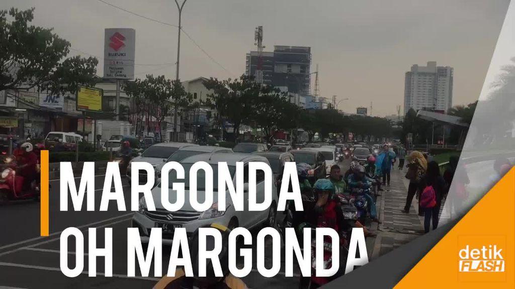 Wajah Margonda di Kala Magrib