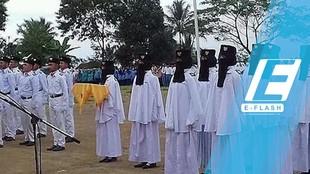 Anggota Paskibra SMK Bercadar di Tasikmalaya Jadi Viral