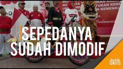 Menteri Yasonna Pamer Sepeda Hadiah dari Jokowi yang Dihias