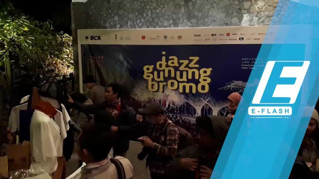 Seru-seruan di Hari Pertama Jazz Gunung Bromo 2017
