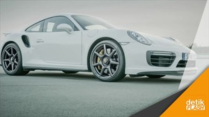 Porsche Perkenalkan The New 20-inch 911 Turbo Carbon Wheel