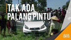 Mobil Berisi 4 Orang PNS Dihajar Kereta, Satu Tewas