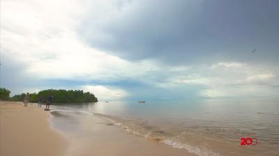 Vlog Tapal Batas - Santai di Pantai Pasir Atambua