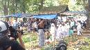 Keluarga dan Anak Yatim Ziarah Kubur di Hari Ulang Tahun Jupe