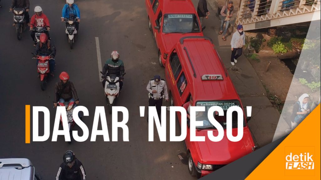 Perilaku Ndeso Pengendara di Stasiun Tanjung Barat