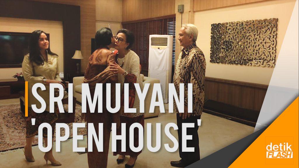 Melihat Cantiknya Menteri Sri Mulyani saat Open House di Rumah Dinas