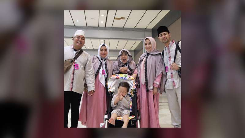 Doa Netizen Nagita Slavina Tetap Berhijab Usai Umrah