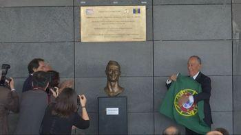 Kumpulan Meme Patung Cristiano Ronaldo Ini Bikin Ngakak