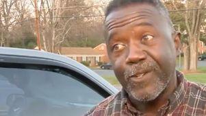 Kakek Ini Jadikan Mobilnya 'Iklan Berjalan' Demi Donor Ginjal
