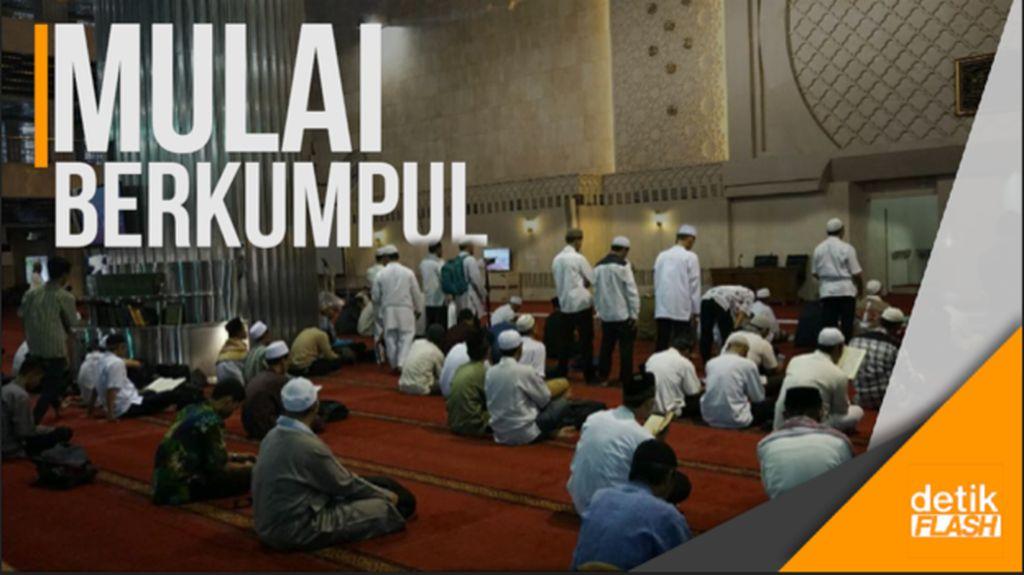 Massa Aksi 287 Mulai Datangi Masjid Istiqlal