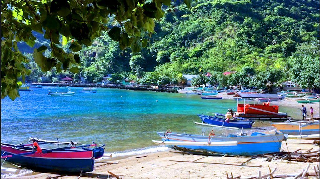 Menikmati Pesona Bawah Laut Pantai Olele