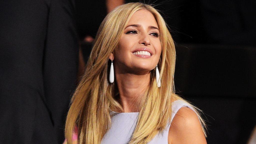 Label Fashion Ivanka Trump Diboikot Departmen Store