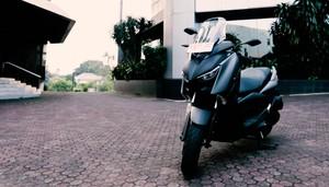 Yamaha XMAX, Skuter Bongsor Tapi Lihat Performanya