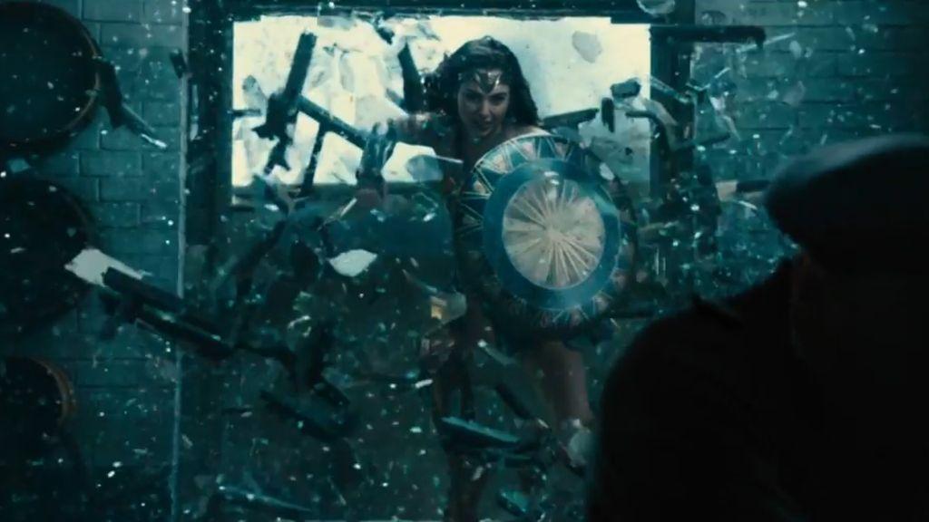 Payudara Kecil, Gal Gadot Dianggap Tak Pantas Jadi Wonder Woman