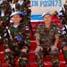 Komandan Sektor Timur UNIFIL Brigadir Jenderal Casimiro Sanjuan Martinez foto bersama dengan pasukan Konga XXV-A/UNIFIL. (Lettu Sus M. Soleh, S.IK).