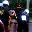 Petugas dari Pusat Identifikasi Mabes Polri memasang alat laser scaner (pindai) ke tripod.