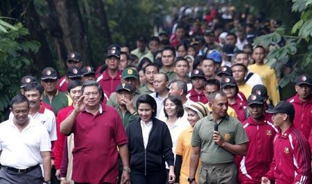 Minggu Pagi SBY Olah Raga
