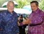 Presiden Susilo Bambang Yudhoyono (SBY) menyambut kedatangan George Soros. Haryanto/Rumgapres.