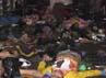 Sesaat setelah kerusuahn mereda. Mayat-mayat bergelimpangan di pinggir jembatan. Reuters/Stringer.
