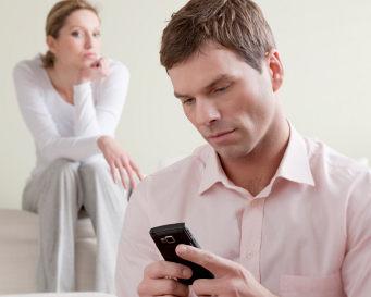 4 Sebab Pria Selingkuh Menurut Pakar Percintaan