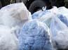 Benda-benda yang diduga terkontaminasi dengan radiasi nuklir juga diisolasi. Reuters/Yuriko Nakao.